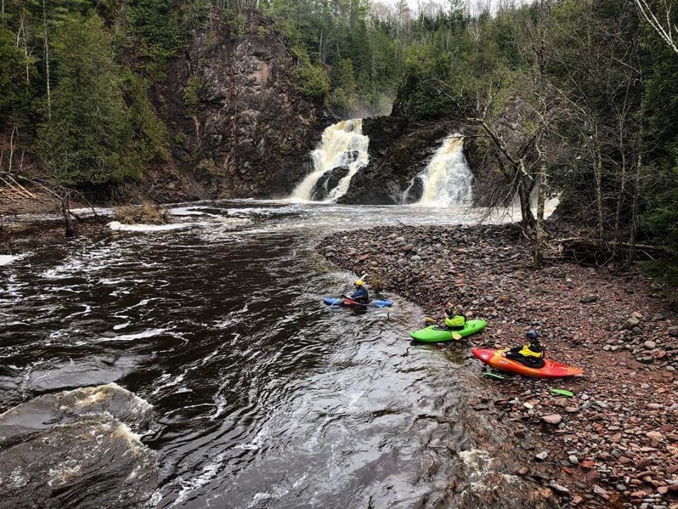 Montreal-Canyon-Kayak-compressor